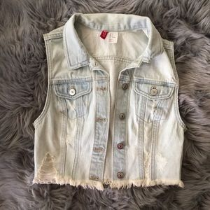 Jackets & Blazers - Light Denim Sleeveless Jacket